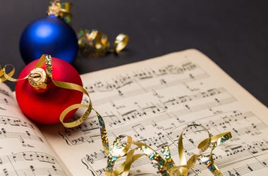 Picture of Christmas music with ornament