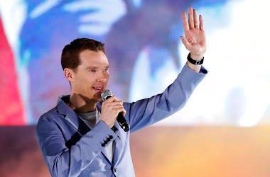 'Sherlock' star Cumberbatch praised for tackling muggers