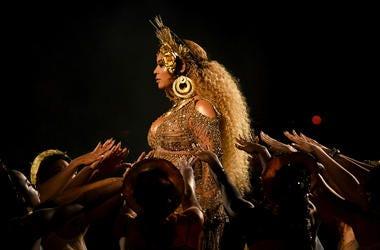 Beyoncé is the queen of halloween costume inspo.