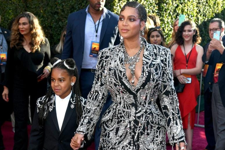 Beyonce and Blue Ivy strut down the red carpet.