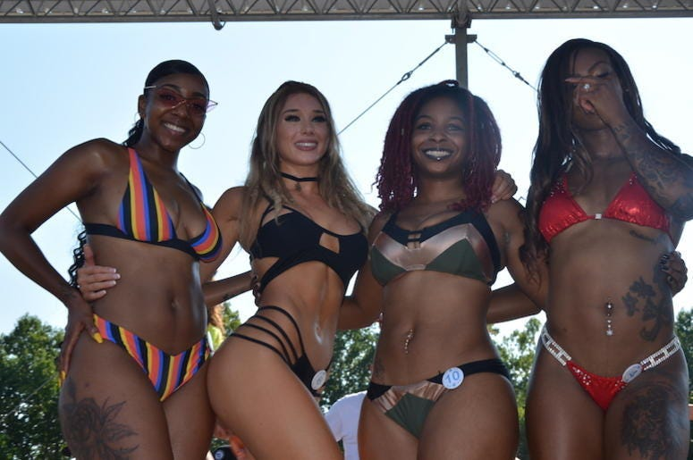 Bikini contestants