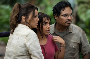 """L-R, Eva Longoria, Isabela Moner and Michael Peña star in Paramount Pictures' """"DORA AND THE LOST CITY OF GOLD."""""""