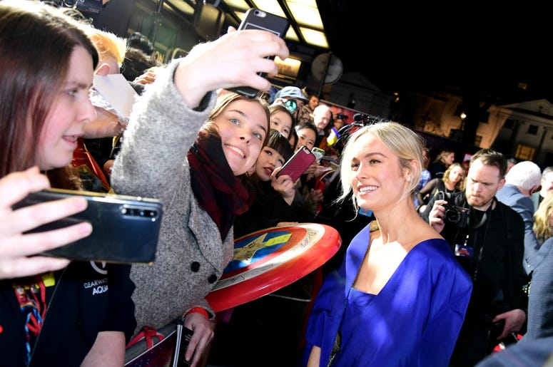 2/27/2019 - Brie Larson poses for a photo with a fan whilst attending the Captain Marvel European Premiere held at the Curzon Mayfair, London. Picture date: Wednesday February 27, 2019. Photo credit should read: Ian West/PA Wire (Photo by PA Images/Sipa U