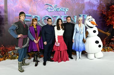 11/17/2019 - Kristoff, Anna, Josh Gad, Idina Menzel and Jonathan Groff, Elsa and Olaf (left to right) attending the Frozen 2 European Premiere held at BFI Southbank, London. (Photo by PA Images/Sipa USA) *** US Rights Only ***