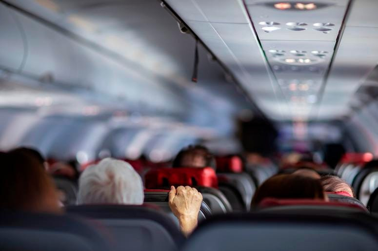 save money on flights with easy tips