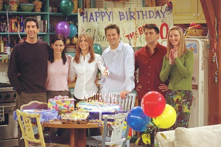"385848 27: Cast members of NBC's comedy series ""Friends."" Pictured (l to r): David Schwimmer as Ross Geller, Courteney Cox as Monica Geller, Jennifer Aniston as Rachel Cook, Matthew Perry as Chandler Bing, Matt LeBlanc as Joey Tribbiani and Lisa Kudrow as"