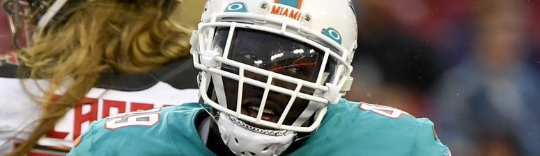 Hoch and Crowder Show: Dolphins LB Sam Eguavoen tells us how a trip to Popeyes ended with his car towed. Also, Ranch vs Ketchup