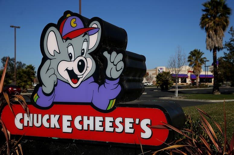 Chuck E Cheese Sign