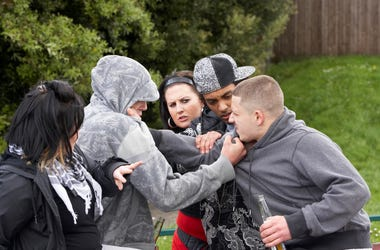 five people fighting