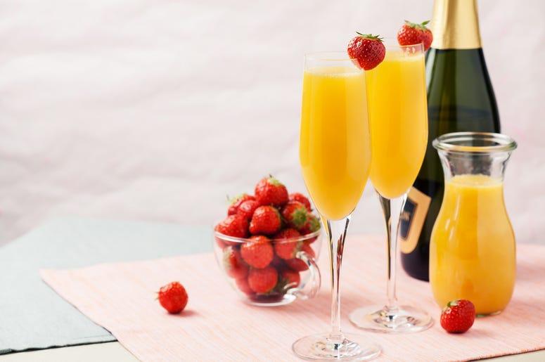 Strawberry Pineapple Mimosa Recipe | FM 101.9