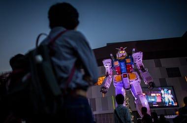 Giant Mech Suit Gundam Robot