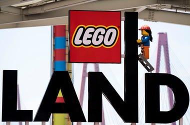 Legoland Sign
