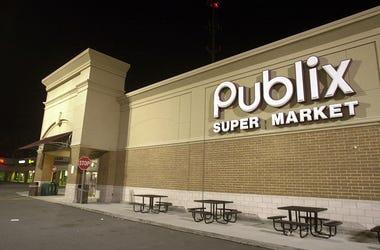publix supermarket storefront