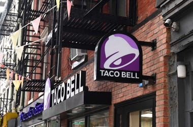 taco bell restaurant in city downtown