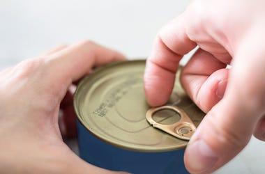 hand opening tuna can