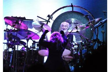 Stevie Nicks and Mick Fleetwood perform at Bridgestone Arena.