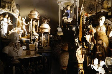 antique-store-GettyImages-1156686715.jpg