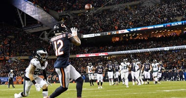 Bears receiver Allen Robinson (12) catches a touchdown pass against Eagles safety Avonte Maddox (29).