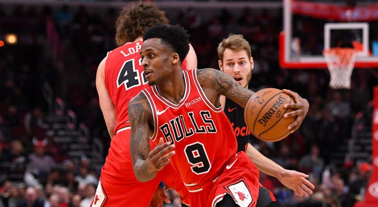 Bulls guard Antonio Blakeney (9) drives to the hoop against the Blazers.