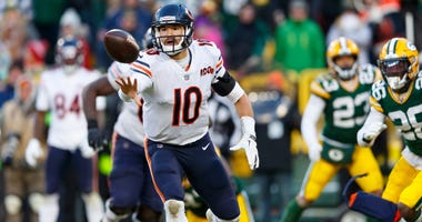 Bears quarterback Mitchell Trubisky (10) laterals the ball on the final play of a loss against the Packers.