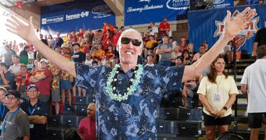 ESPN analyst Bill Waton at the Maui Invitational in 2018