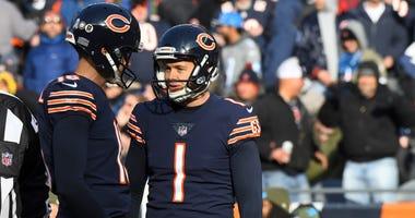 Bears kicker Cody Parkey (1) reacts after missing a field goal.
