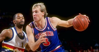 Craig Ehlo with the Cavaliers in 1990