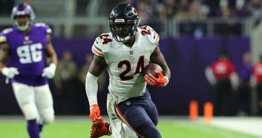 Bears running back Jordan Howard (24)