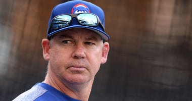 Cubs bench coach Mark Loretta