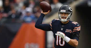 Bears quarterback Mitchell Trubisky looks to pass against the Giants.