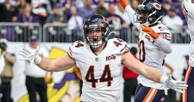 Bears linebacker Nick Kwiatkoski (44) celebrates a safety against the Vikings.