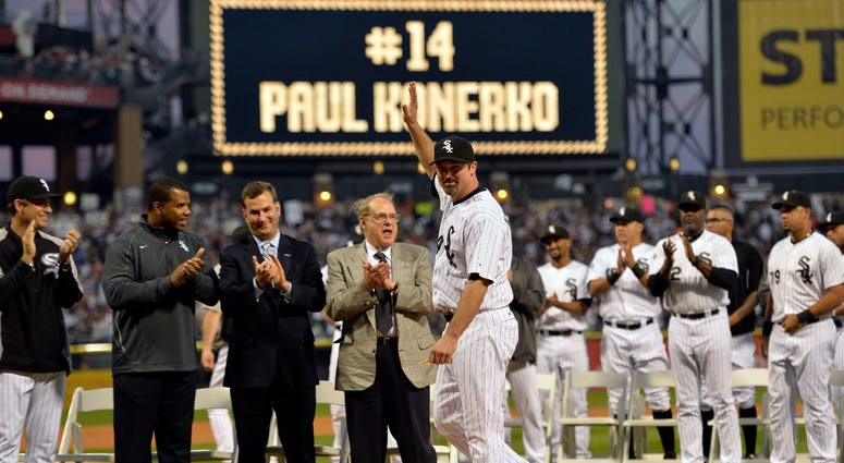 Paul Konerko waves during a pregame ceremony ahead of his final game with the White Sox in 2014.