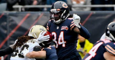 Bears receiver Cordarrelle Patterson (84) returns a kickoff 102 yards for a touchdown against the Saints.