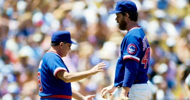 Jim Frey, left, as Cubs manager in 1985