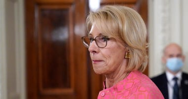 Trump, DeVos promote school choice to vexed parents