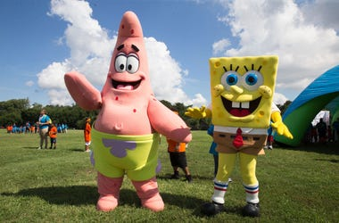 WASHINGTON, DC - JULY 26: Patrick and Spongebob take part in the Worldwide Day of Play on July 26, 2017 in Washington, DC.
