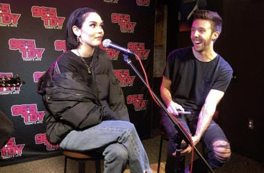 "Maggie Lindemann Performs ""Pretty Girl"" & Unreleased ""Friends Go,"" Interviews with LA about Touring, Sabrina Carpenter, Khalid, Shoes and more LAOnAir, Exclusive, Interview, Performance, Pretty Girl, Human, Would I"