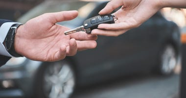 car-buying-GettyImages-1053485392.jpg