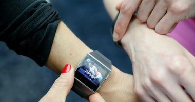 Fitbit-GettyImages-1073948138.jpg