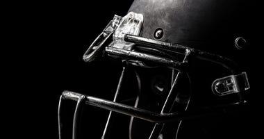 football-helmet-GettyImages-1165423528.jpg