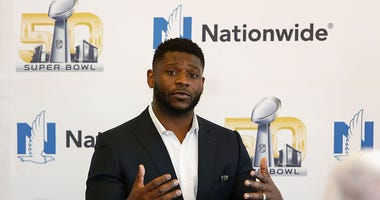 LaDainian-Tomlinson-GettyImages-508773160.jpg