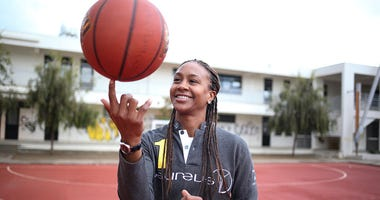 Tamika-Catchings-GettyImages-626718530.jpg