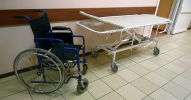 assisted-living-facility-GettyImages-656135996.jpg