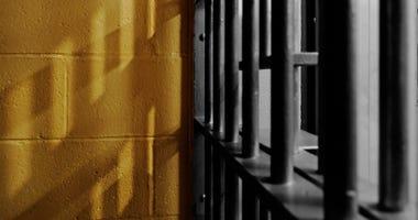Federal Inmates Settle Lawsuit Over Coronavirus Precautions