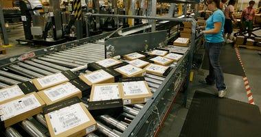 Amazon-warehouse-GettyImages-88393055.jpg