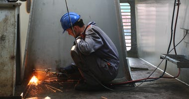 shipbuilding-GettyImages-97689902.jpg