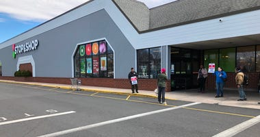 Stop & Shop employees at the chain's Hartford location were among those to go on strike.