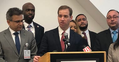 Hartford Mayor Luke Bronin briefs the public on city preparation for Coronavirus, 3/6/20