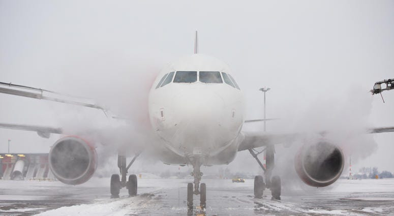 airplane-snow-GettyImages-159005317.jpg