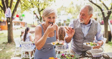 grandparents-eating-GettyImages-926155412.jpg